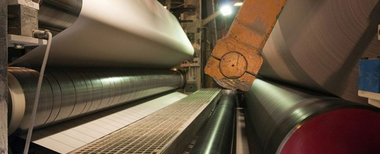 Fils métalliques de section triangulaires pour l'industrie des pâtes& papier